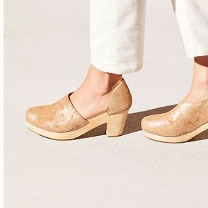 Free People Monroe Clogs Brushed Gold Size 40